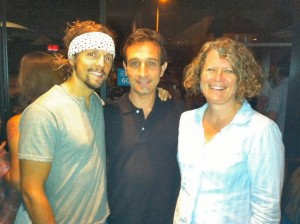 Jason Mraz @ Cafe Gratitude, Carlos Caridad & wife Edu
